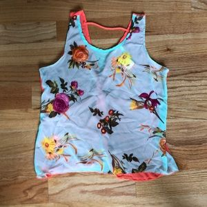 Tops - Floral top with open back